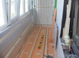Как утеплить пол на балконе под ламинат?