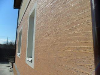 Фактурная краска для фасада дома