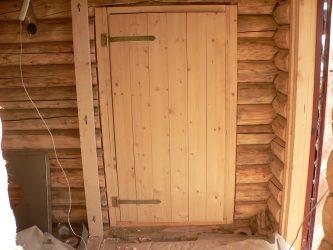Как утеплить дверь в бане?